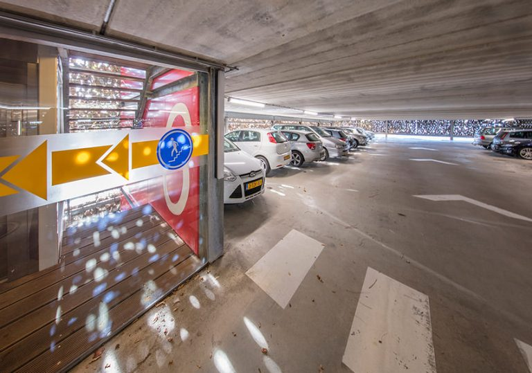 High tech campus parkeergarage 7